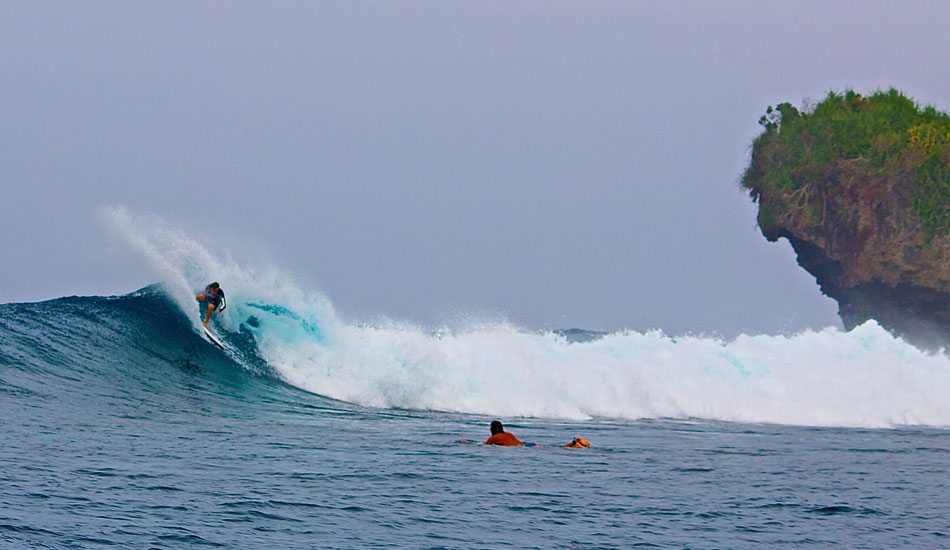 Surfing Siargao